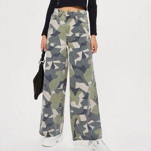 TopShop High waist wide leg geometric Jeans 28